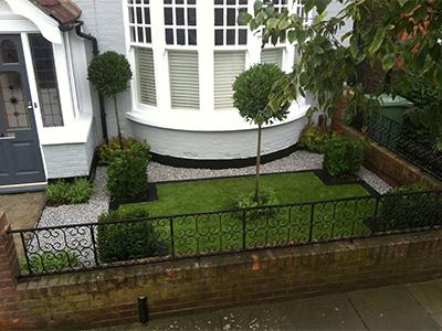 London, Kew - front garden